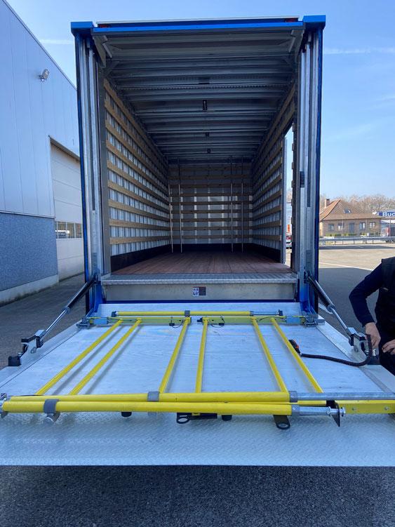 DAF LF 260, bakwagen 12 ton 4x2 foto 4