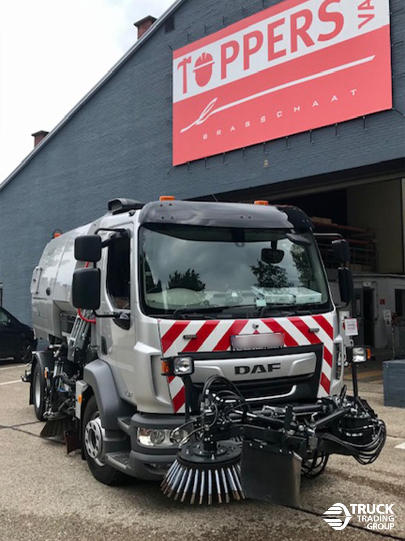 DAF LF 230 FA 16 ton met Johnston V50t opbouw en Beam veegsysteem. foto 1